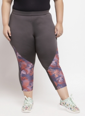 Women Blue & Brown Printed Capris