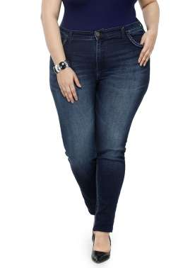 PLUSS WOMEN ENZYME WASH REGULAR FIT MID RISE CLEAN LOOK JEANS