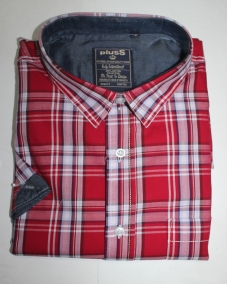 PLUSS MEN RED & WHITE REGULAR FIT CHECKED CASUAL SHIRT