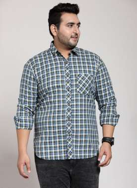 PlusS Men White & Green Regular Fit Checked Casual Shirt