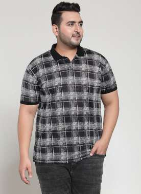 PLUSS MEN BLACK CHECK POLO COLLAR T-SHIRT