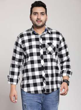 plusS Men Black & White Regular Fit Checked Casual Shirt