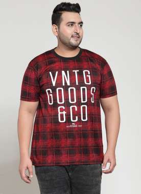 plusS Men Black Checked Round Neck T-shirt