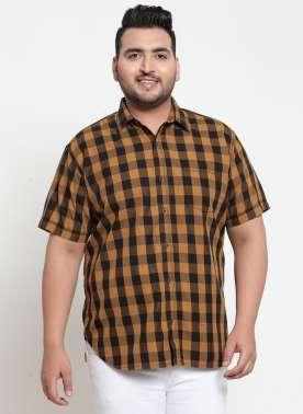 plusS Men Mustard & Black Regular Fit Checked Casual Shirt