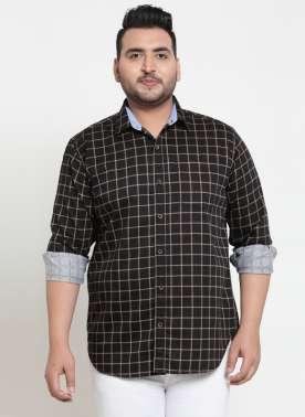 plusS Men Black Regular Fit Checked Casual Shirt