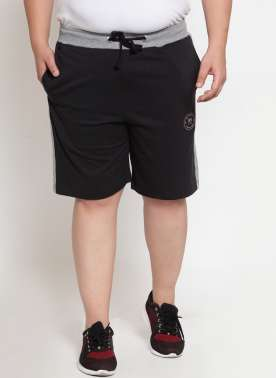 Black Solid Regular Fit Regular Shorts