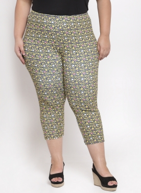 Women Yellow & White Printed Regular Fit Capris