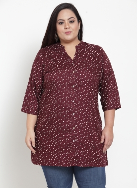 Red printed tunic, has a mandarin collar, three-quarter sleeves