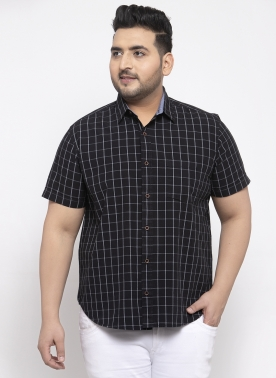 Men Black & White Regular Fit Checked Casual Shirt